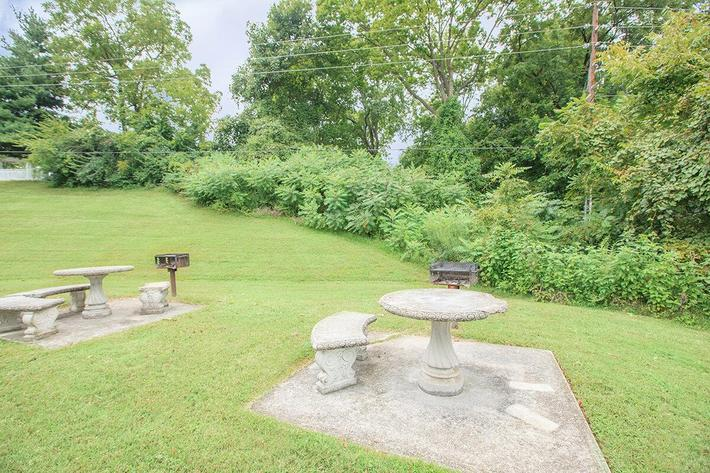 Barbecue and Picnic Areas