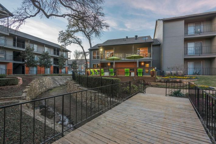 One and two bedroom apartments for rent in Arlington, TX