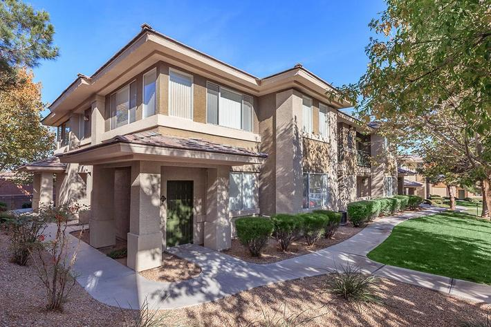 MODERN MEETS MAGNIFICENT AT ST. CLAIR APARTMENTS IN LAS VEGAS, NEVADA