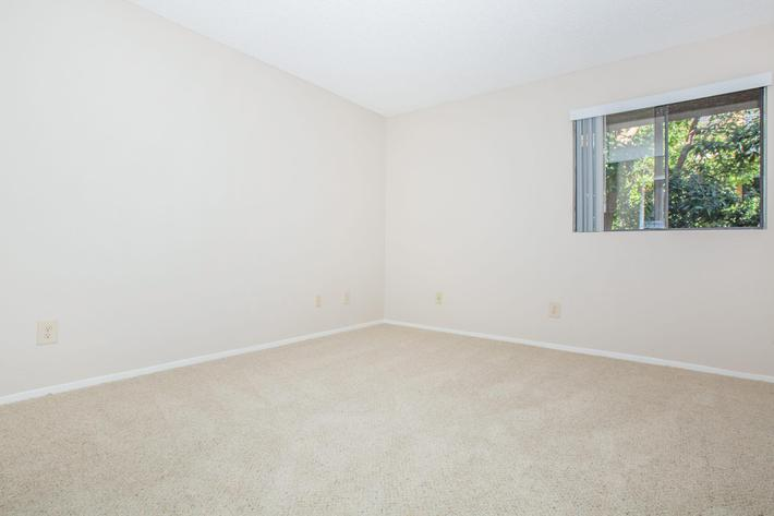 03a master bedroom.jpg