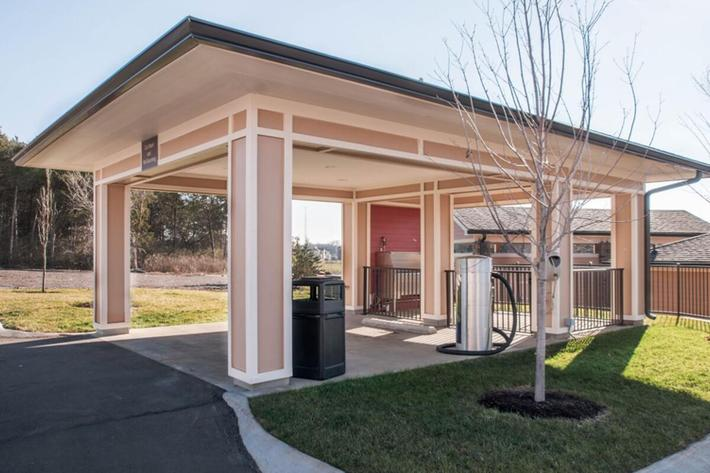 Panther Creek Parc Apartments in Murfreesboro, TN - Car and Dog Wash Station 02 (1024x631).jpg
