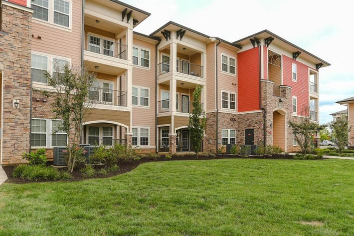 Panther Creek Parc Apartments in Murfreesboro, TN - Exterior 03 (1024x644).jpg