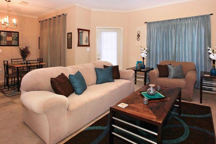 1bed1bath_livingroom.jpg