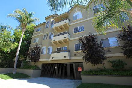 14430 benefit street apartment homes in sherman oaks ca for 13425 ventura blvd 2nd floor sherman oaks ca 91423
