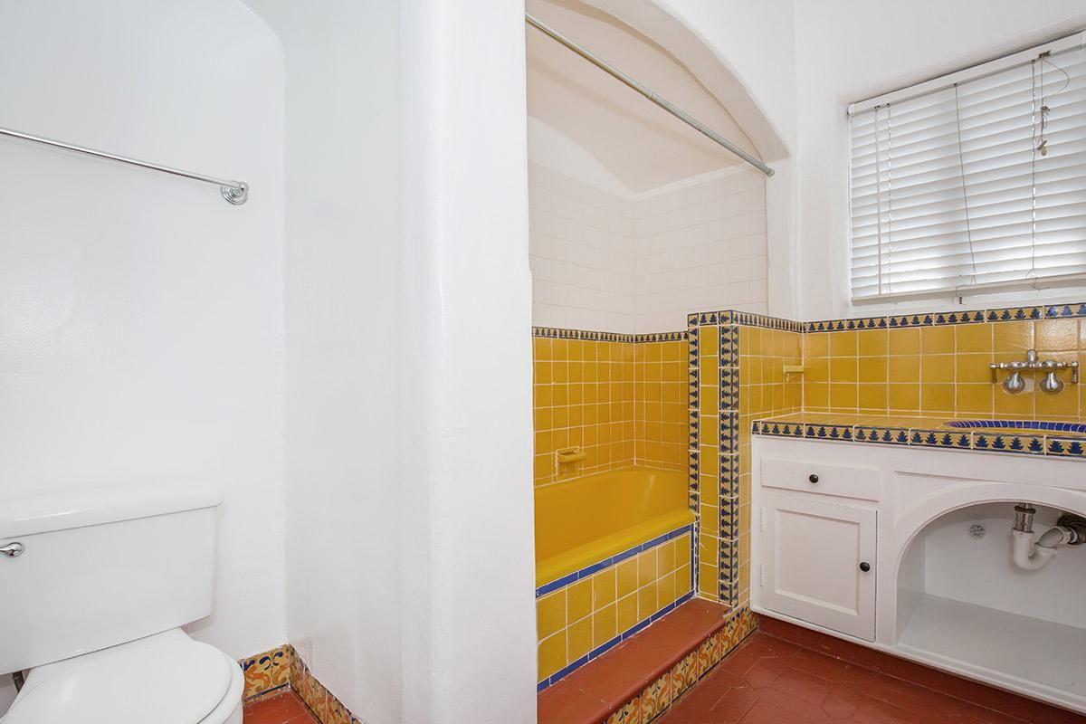 Stylish, Modern Bathrooms at Casa Laguna