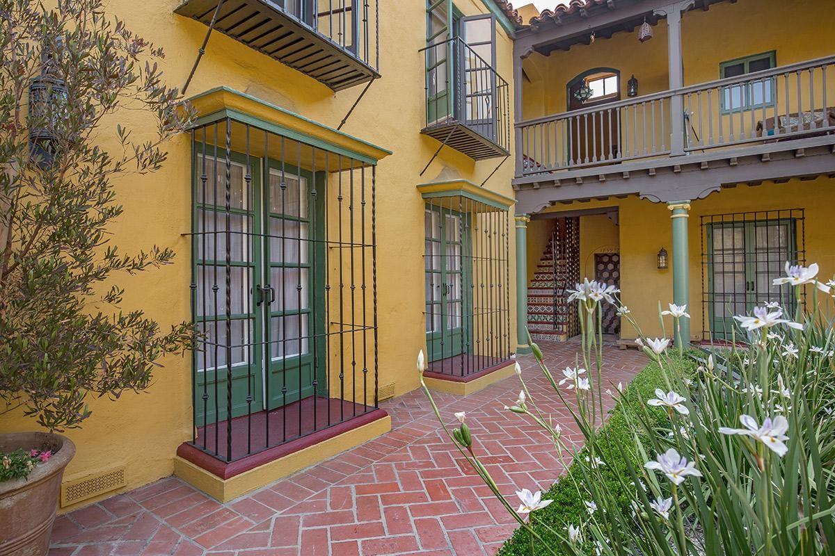 Casa Laguna Apartments in Los Angeles, CA