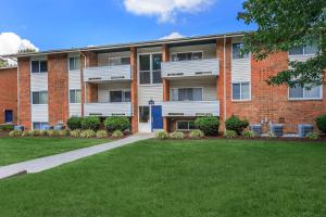 YOUR NEW APARTMENT HOME AWAITS IN BLACKSBURG, VIRGINIA