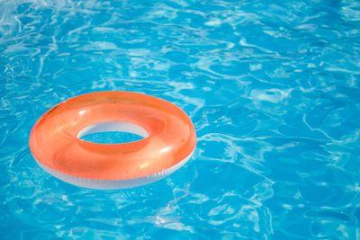 pool-orange-float-GettyImages-1035055332.jpg