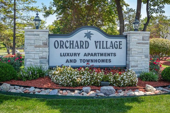 Orchard Village Apartments in Manchester, MO - Exterior 08.jpg