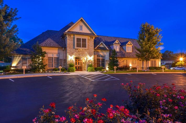 Orchard Village Apartments in Manchester, MO - Exterior 20.jpg