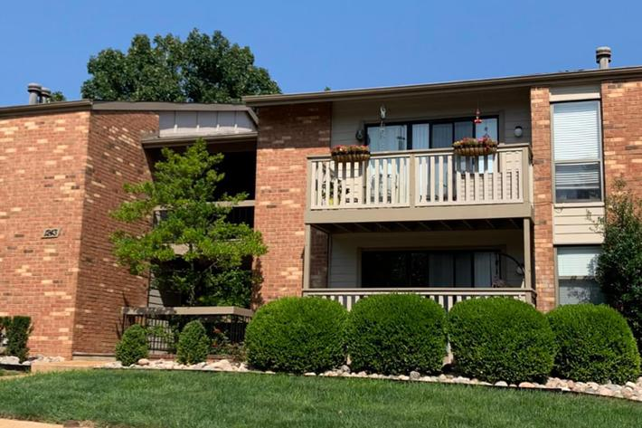 Orchard Village Apartments in Manchester, MO - Exterior.jpg