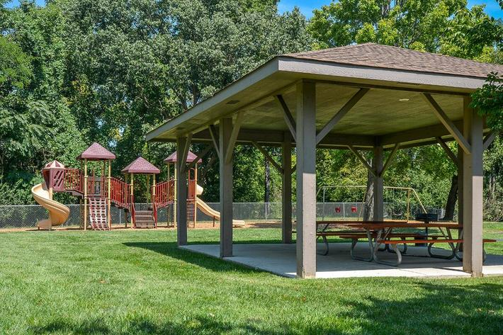 Orchard Village Apartments in Manchester, MO - Picnic Area 04.jpg