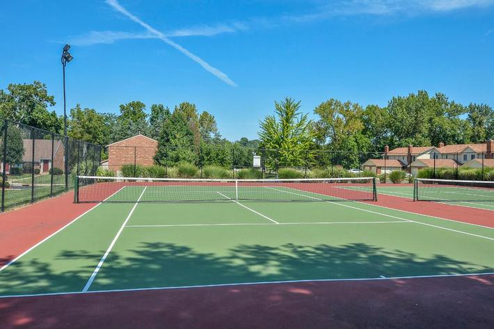 Orchard Village Apartments in Manchester, MO - Tennis Courts 01.jpg