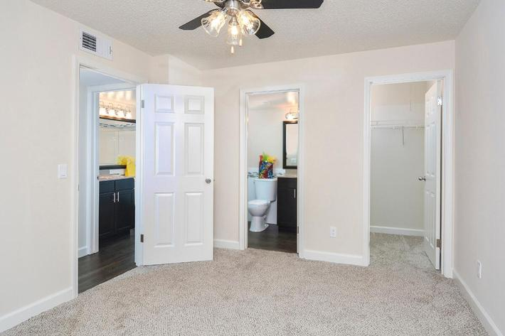 Orchard Village Apartments in Manchester, MO - Interior 12.jpg