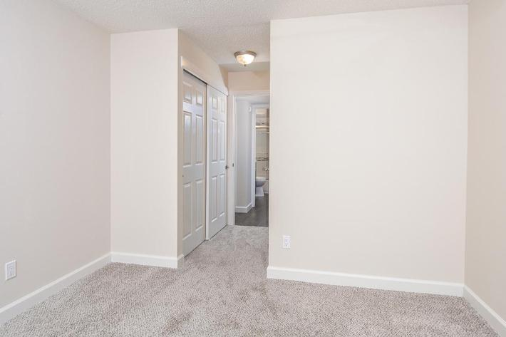 Orchard Village Apartments in Manchester, MO - Interior 15.jpg