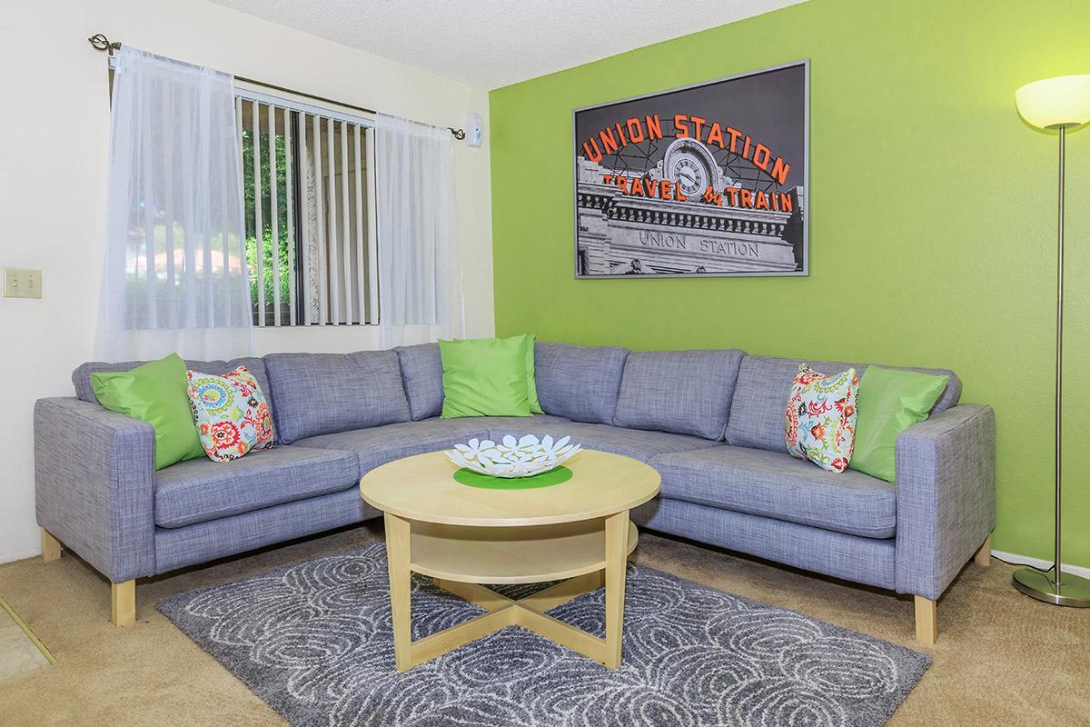 2bed2bath_livingroom.jpg
