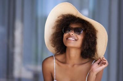 girl with hat.jpg