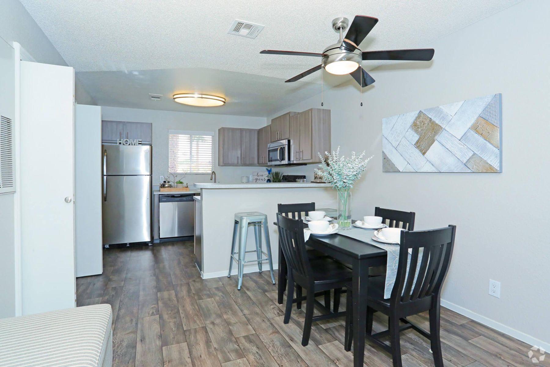 sunset-hills-apartments-henderson-nv-2br-2ba---960-sf-dining-room (1).jpg