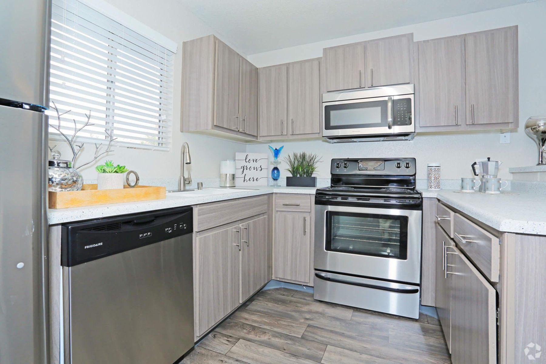 sunset-hills-apartments-henderson-nv-2br-2ba---960-sf-kitchen.jpg