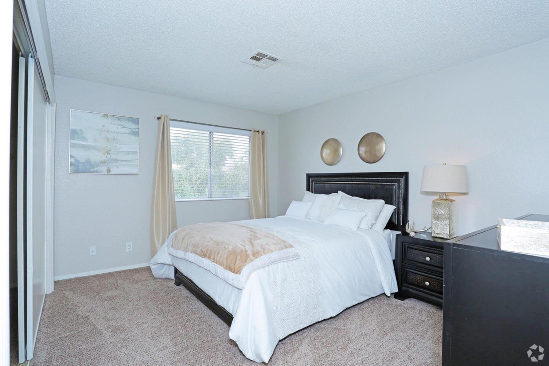 sunset-hills-apartments-henderson-nv-2br-2ba---960-sf-master-bedroom.jpg