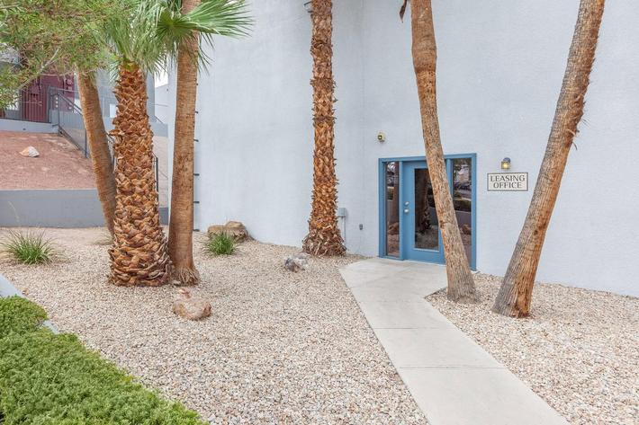 BEAUTIFULLY LANDSCAPING AT HILLTOP VILLAS IN LAS VEGAS