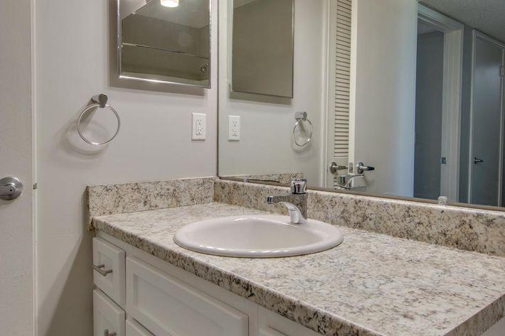Bathroom at Hillhurst Apartments in Nashville, TN