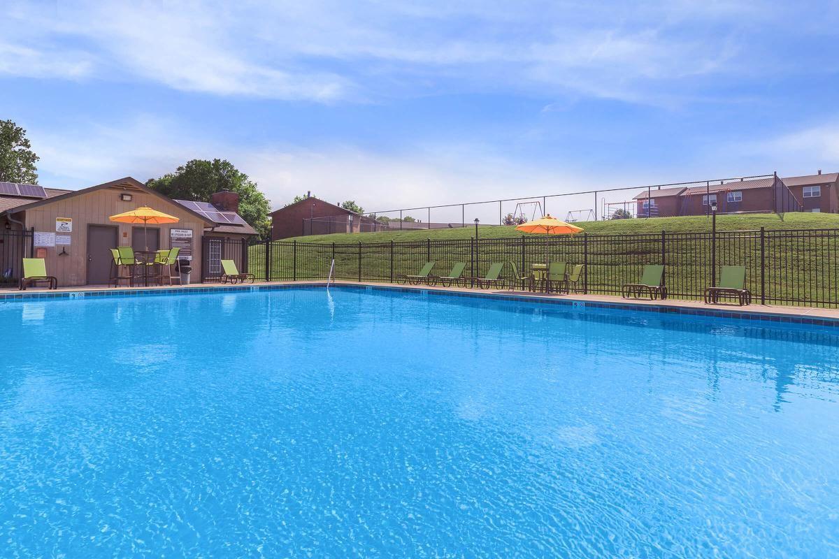 Pool at Hillhurst Apartments