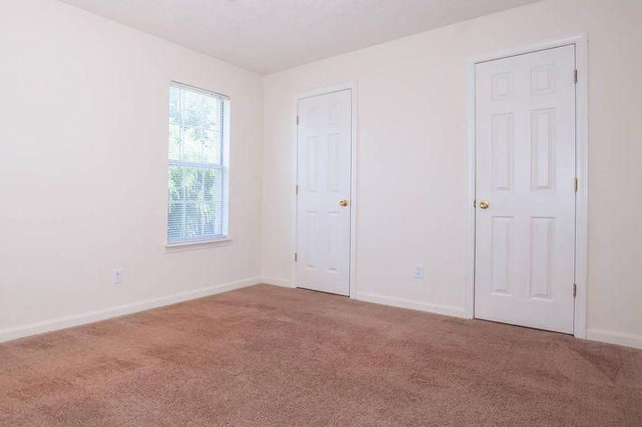 Whispering Oaks Jax Provides Carpeted Floors