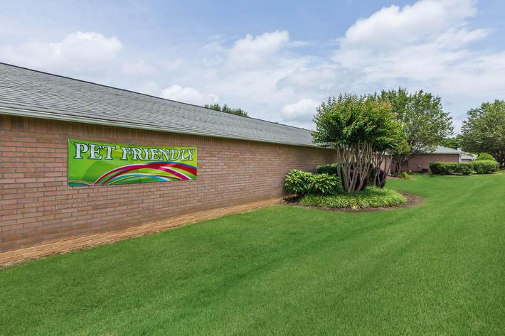 Whispering Oaks Jax Is A Pet-friendly Community