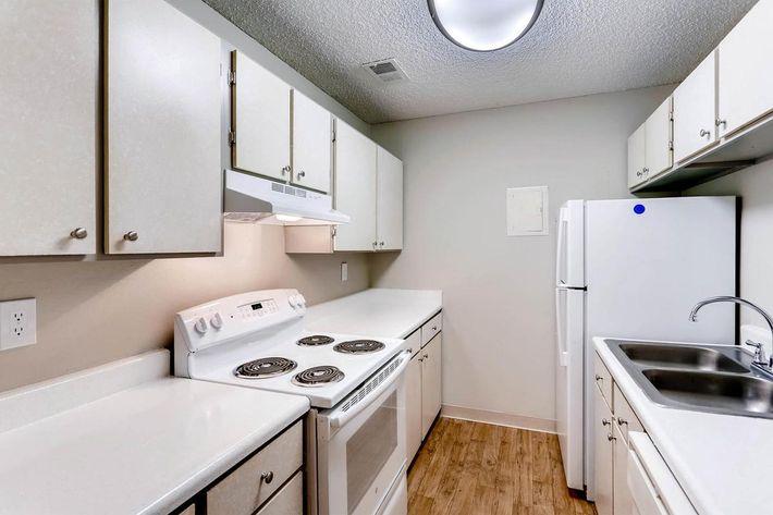 10101 Washington St Thornton-large-014-33-Kitchen-1500x1000-72dpi.jpg