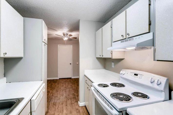 10101 Washington St Thornton-large-015-14-Kitchen-1500x1000-72dpi.jpg