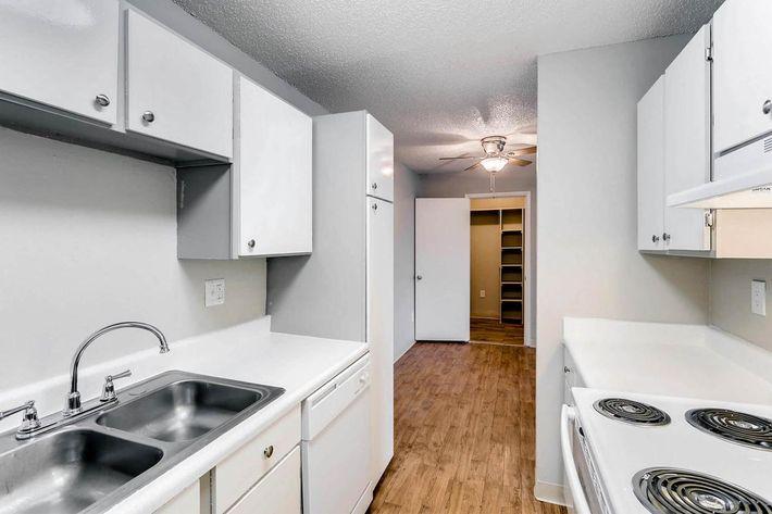 10101 Washington St Thornton-large-017-19-Kitchen-1500x1000-72dpi.jpg