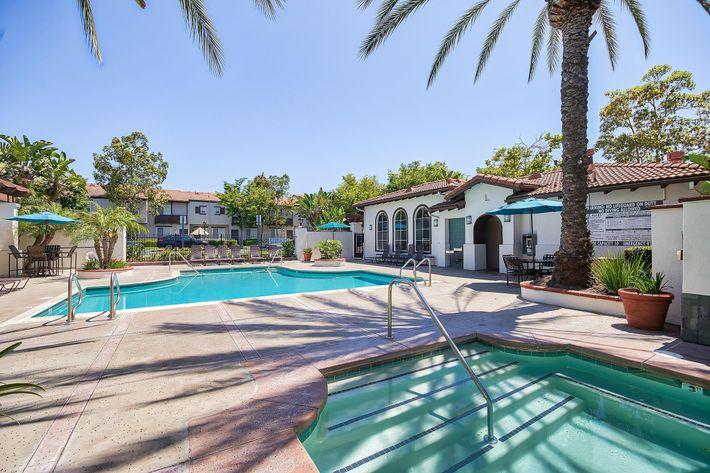 Pool_76-Mercantile-Way- Ladera-Ranch-CA_Laurel-Canyon_RPI_II-280972-10.jpg