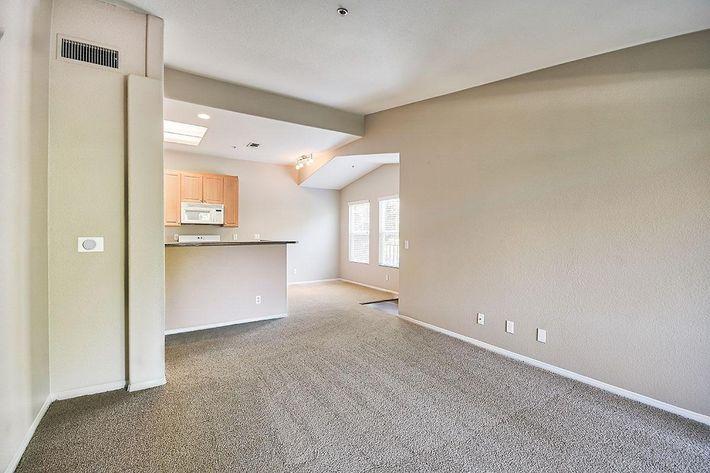 Living-Room_76-Mercantile-Way- Ladera-Ranch-CA_Laurel-Canyon_RPI_II-280972-22.jpg