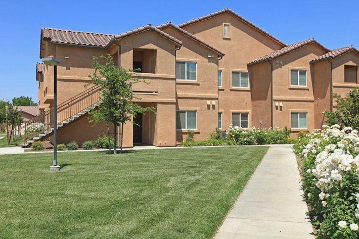 Villa Sa Vini in Fresno