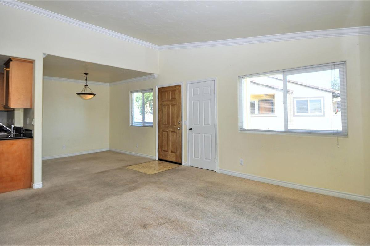 5022 Los Morros Way 42-large-004-010-LivingDining Room-1500x934-72dpi.jpg