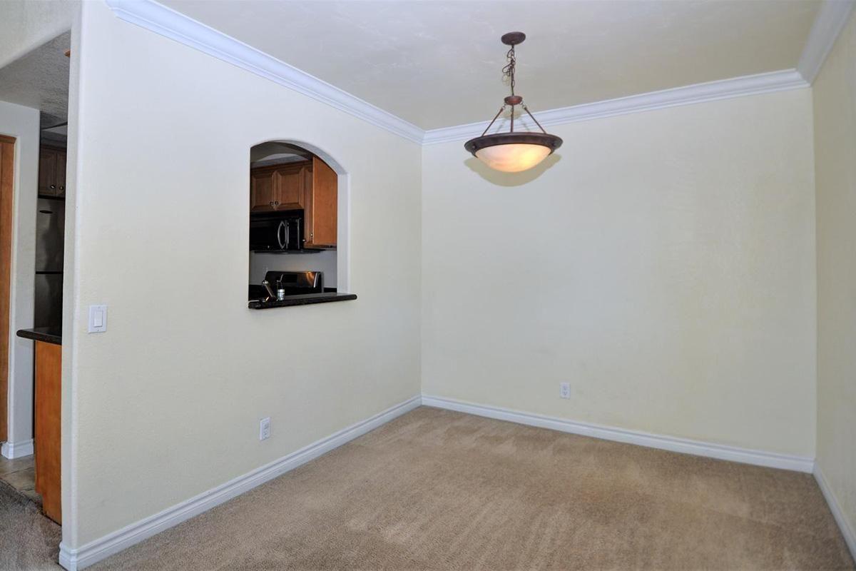 5022 Los Morros Way 42-large-008-009-Dining Room-1500x949-72dpi.jpg