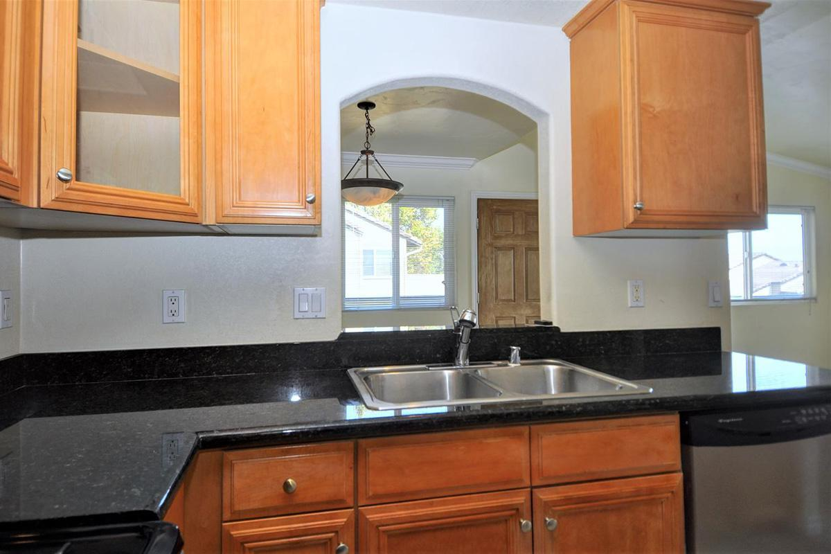 5022 Los Morros Way 42-large-010-018-Kitchen-1500x996-72dpi.jpg