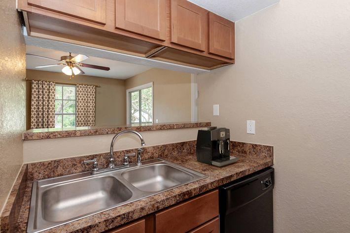 Apartment 2 (4).jpg