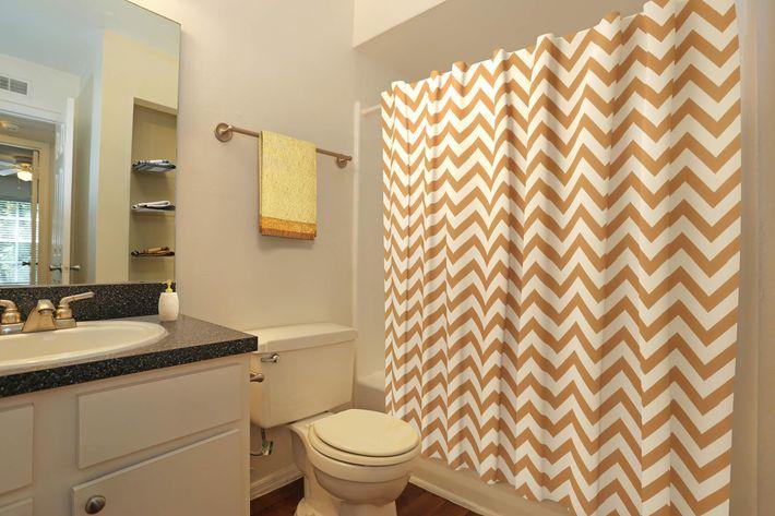 CandleGlow-Bathroom01.jpg