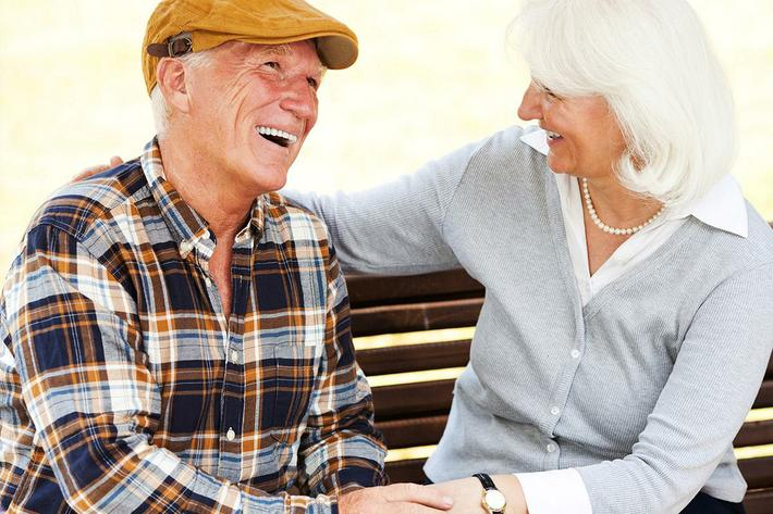 senior-couple-outdoors2.jpg