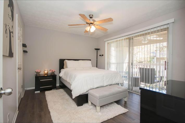 1 br bedroom-width-2400px.jpg