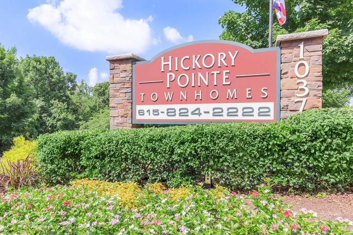 Hickory Pointe Monument Shot