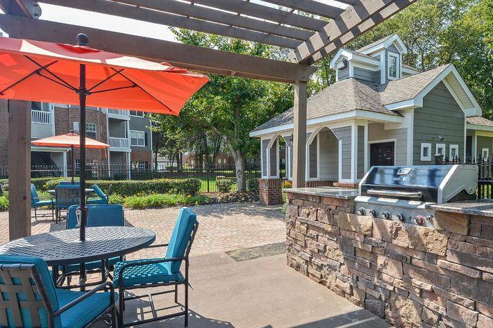 Carrington Park Apartments in Murfreesboro, TN - BBQ-Picnic Area 04.jpg