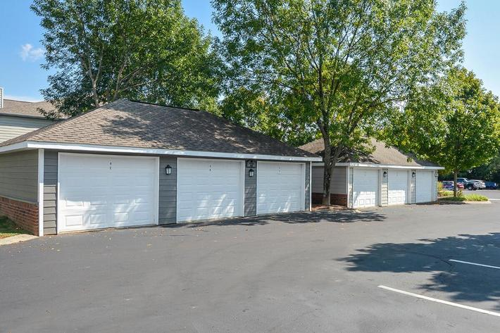 Carrington Park Apartments in Murfreesboro, TN - Garages 02.jpg