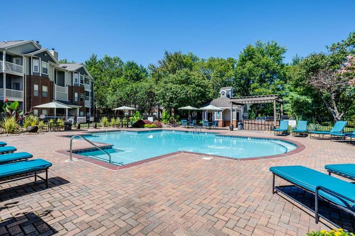 Carrington Park Apartments in Murfreesboro, TN - Swimming Pool 01.jpg