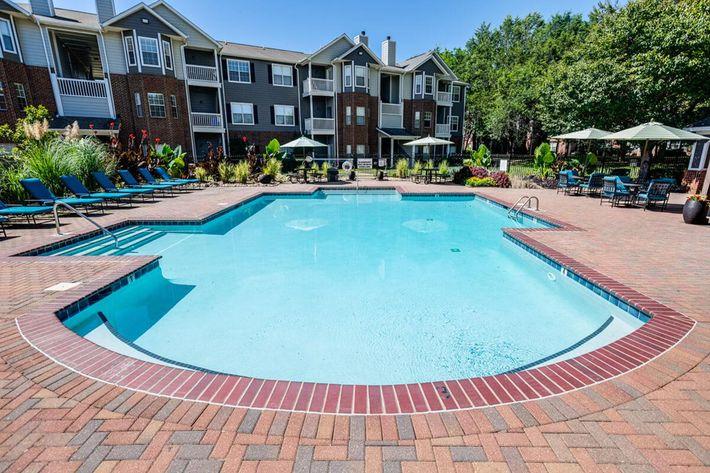 Carrington Park Apartments in Murfreesboro, TN - Swimming Pool 04.jpg