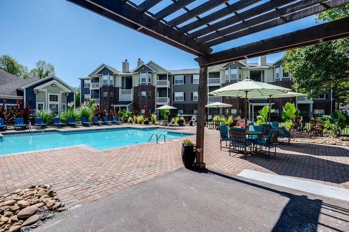 Carrington Park Apartments in Murfreesboro, TN - Swimming Pool 05.jpg