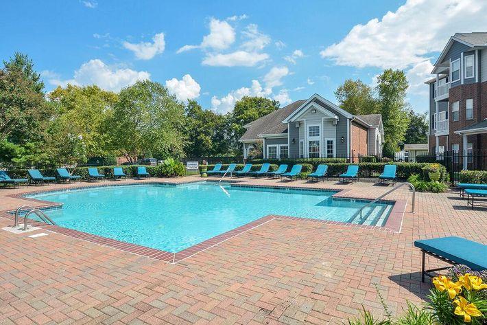 Carrington Park Apartments in Murfreesboro, TN - Swimming Pool 07.jpg