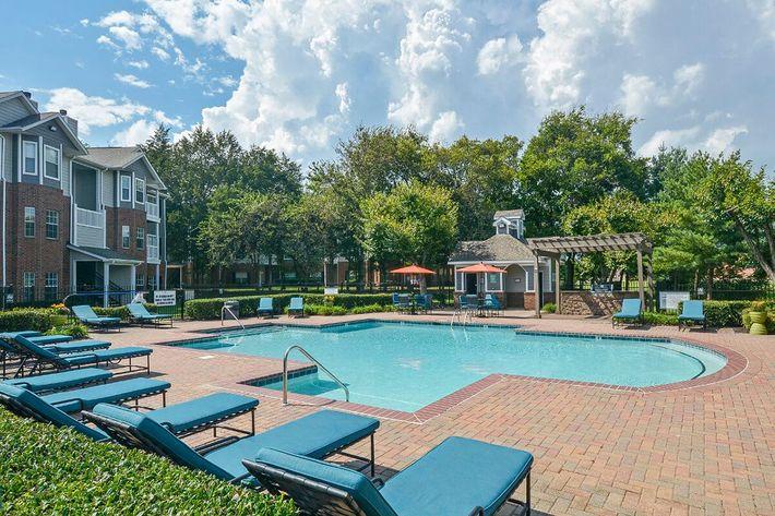 Carrington Park Apartments in Murfreesboro, TN - Swimming Pool 11.jpg